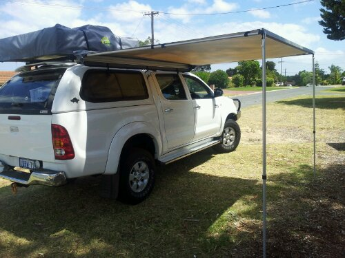 Hilux with annex deployed