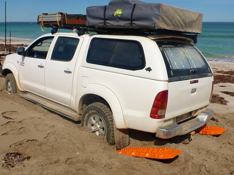 bogged at davenport creek beach maxtrax receovery
