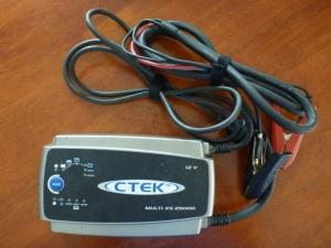 ctek 12V charger 25A