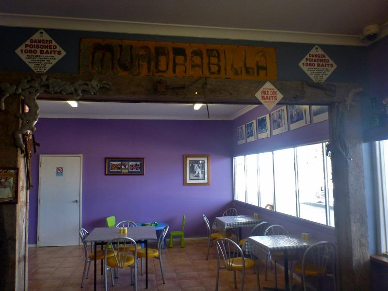 mundrabilla road house and bar