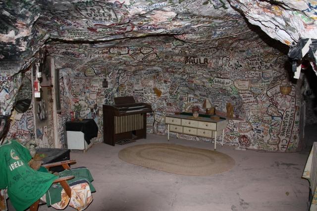 Crocodile Harry's Nest, Coober Pedy