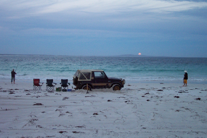Suzuki Sierra camping, mulloway fishing