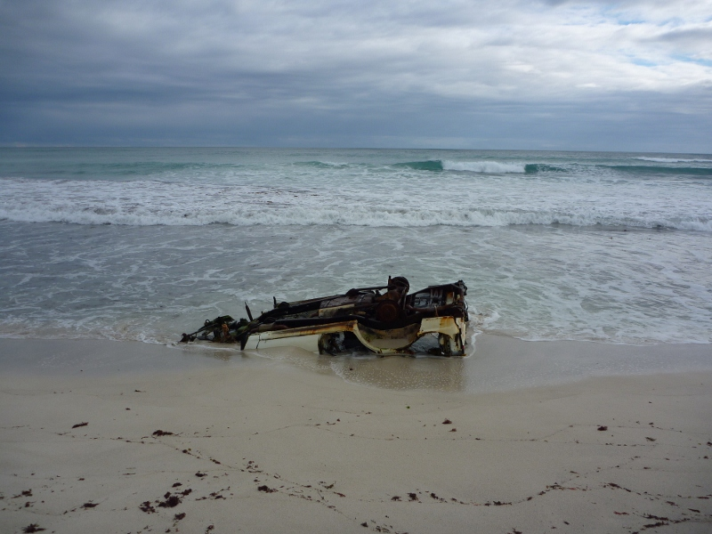 Fatal beach bogging in sand, wedge island, western australia