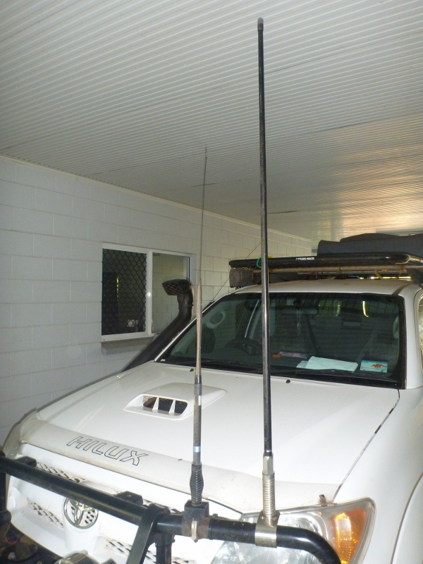 external 3G / 4G aerial mounted on hilux