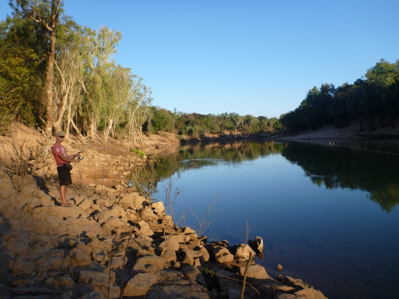 fishing daly river at oolloo crossing
