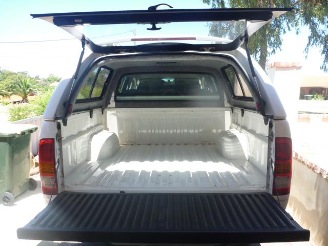 Toyota Hilux dual cab tray empty
