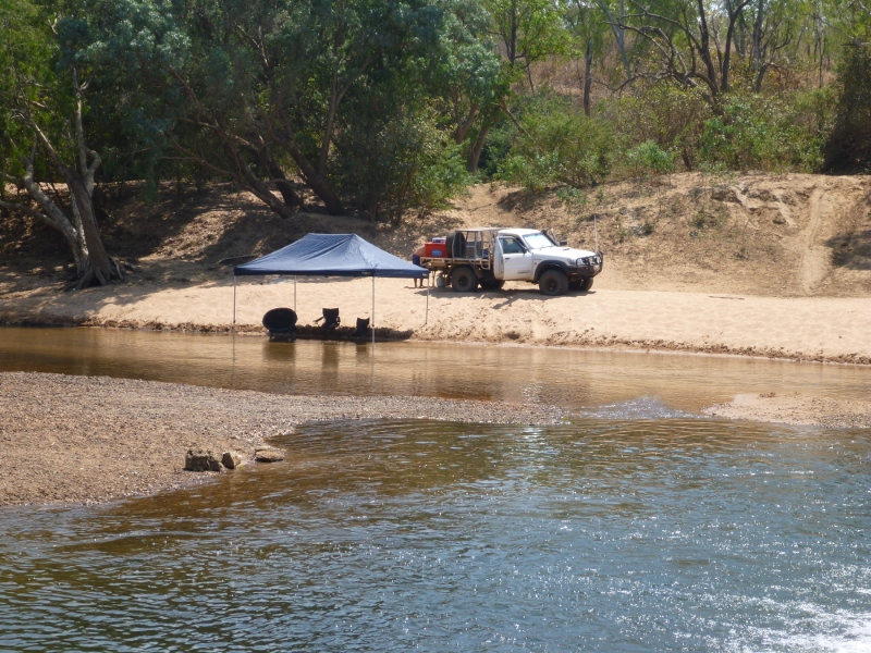 camping on katherine river in water