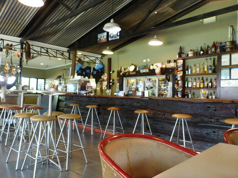 emerald springs roadhouse bar
