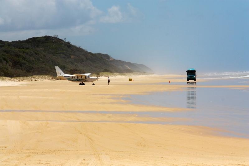 plane landing near maheno wreck