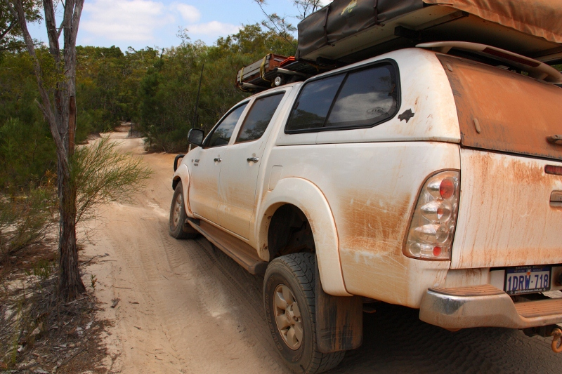 hilux flexing on old telegraph track