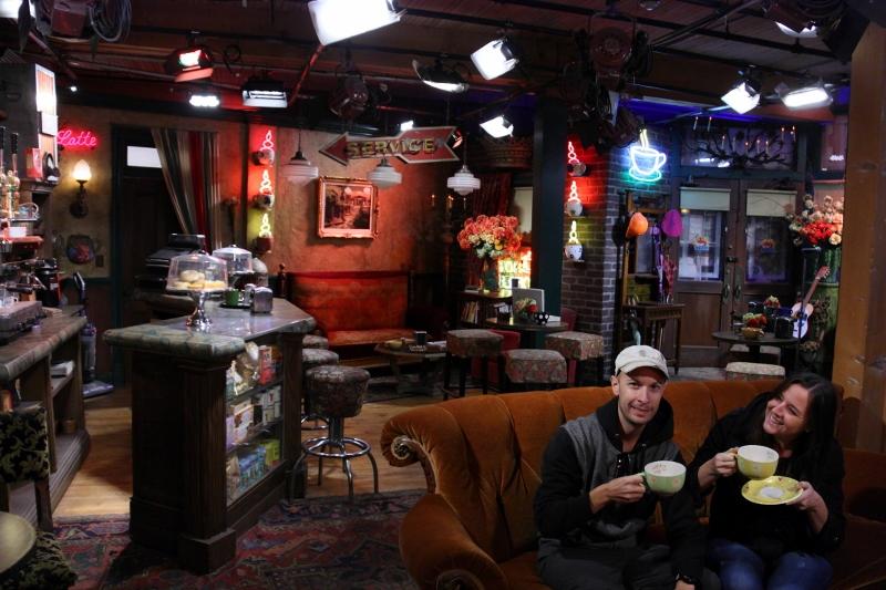 hollywood studios friends central perk cafe