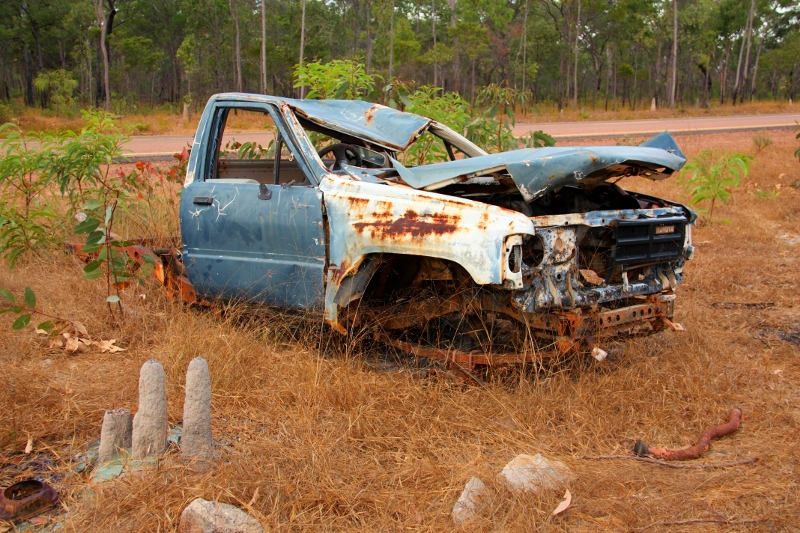 6 toyota hilux 1985 wreck peninsular developmental road near archer river
