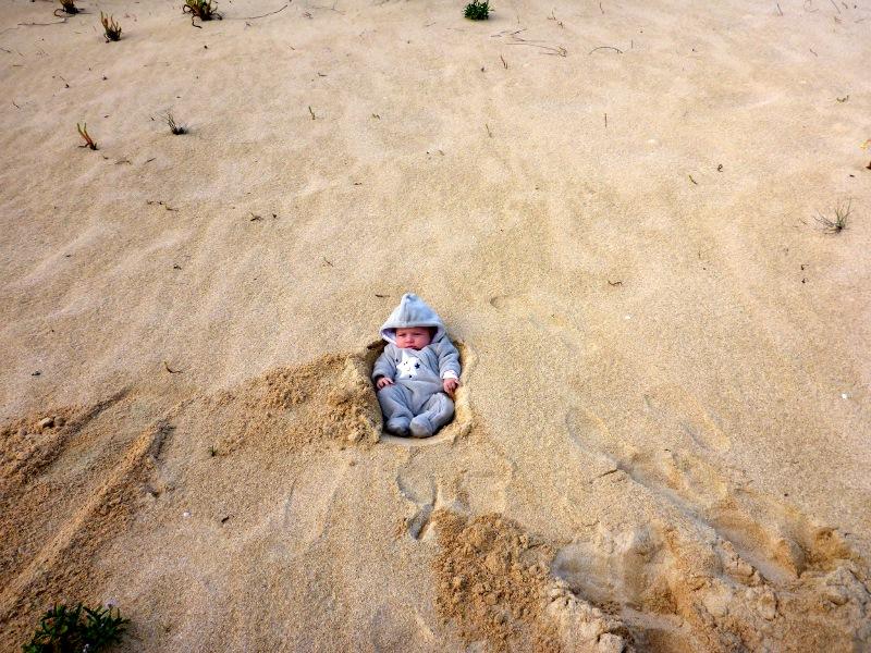 baby in the dunes