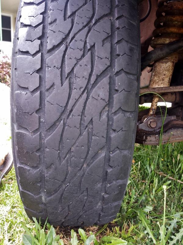 bridgestone d697 front tyre tread wear